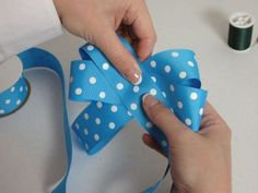how to make hairbows. looks easy