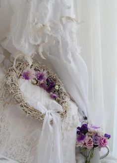 A Positively Beautiful Blog shades of purple, shabby chic, shabbi chic, lace curtains, nelli vintag, vintage homes, blog, beauti wreath, flower