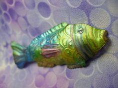 @Heidi Borchers transforms soda cans into the coolest stuff! LOVE this fish pin. cool2craft.com