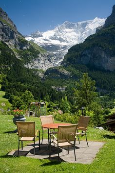 Table with a view, Grindelwald / Switzerland (by Chacal1233).