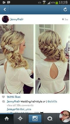 oo! this is very pretty! Can I wear something in my hair?