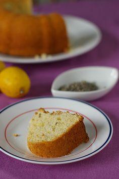 Lemon & lavender cake.