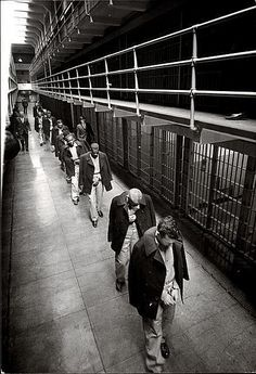Last prisoners leave Alcatraz, March 21, 1963