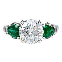 YARD Diamond and Emerald Ring
