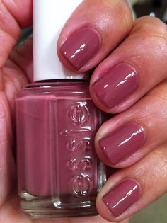 "Essie ""Island Hopping"" (dusty rose/mauve nail polish)"