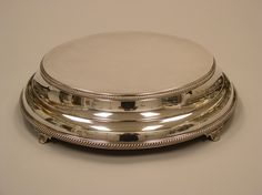 Silver Cake Stand, bevel.  Cakes By Graham, More than Just the Icing on the Cake.  http://richmondcakes.com/