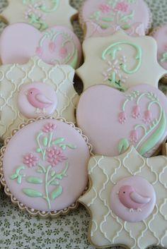 Floral cookies by Miss Biscuit