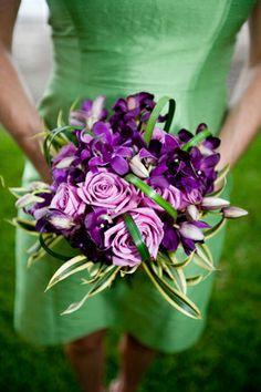 Ramos de novia.   http://www.bodacor.com/bodas-zaragoza-huesca-teruel-pamplona/categorias/preparativos/floristerias?term_node_tid_depth=all