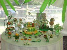 Table dessert. Jungle party. Cumpleaños en la selva. http://antonelladipietro.com.ar/blog/2011/11/animales-de-la-selva/