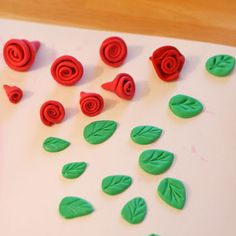 Glorious Treats » How to make Fondant Roses and Leaves