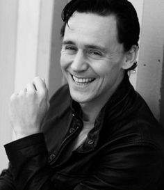 dat smile, tom hiddleson, hiddleston forev, hiddleston ruin, men, tom hiddlestonloki, lokitom hiddleston, hiddleston tom, hiddl stone