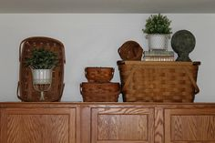 [kitchen%2520071%255B3%255D.jpg]    An idea of a way to use baskets.