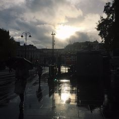 Sunshine breaks through the clouds on a rainy London afternoon #BurberryWeather 8°C   46°F