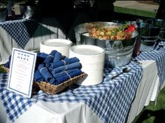 blue gingham tablecl