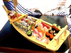 more sushi boats (things we eat off of)