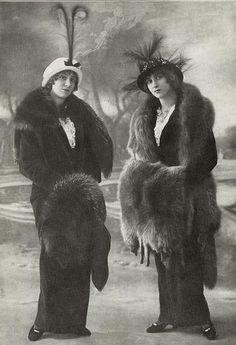 Two fabulously fashionable Edwardian ladies. #vintage #Edwardian #1910s #women #portrait #hats #furs #clothing