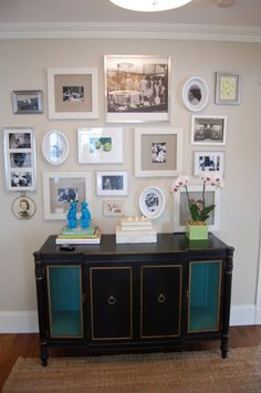 Love the look of Erin Gates' gallery wall. Want something like this in the living room and bedroom.