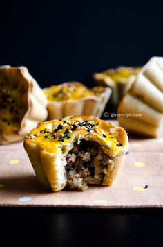Mini pies with ground beef or cheese | giverecipe.com | #pie #groundbeef #cheese #pastry