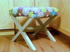 Free DIY Furniture Plans from The Design Confidential: X-Bench!