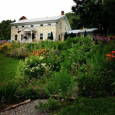 Heather Ridge Farm and the Bee's Knee's Cafe