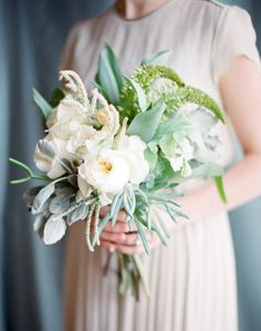 This earthy arrangement is perfect for a rustic wedding.