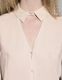 DUSTY PINK CUT OUT V BLOUSE