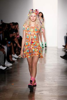 Jeremy Scott x Miley Cyrus - Miley Makes Her NYFW Runway Debut