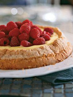 Lemon-Almond Cake with Lemon Curd Filling