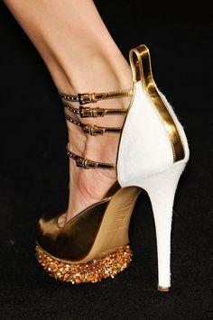 prabal gurung fall 2012. gorgeous shoe!