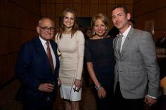 Robert A.m. Stern, Denise Wilson, Lisa Dennison, Henry Urbach.    Welcome Party For Glass House Director, Henry Urbach. May 23rd, 2012. Four Seasons Restaurant, New York. Generously Supported By Swarovski. Hosted By Frank Stella, Nadja Swarovski, John Bennett, Lisa Dennison/sothebys.    Photos By Sandra Hamburg