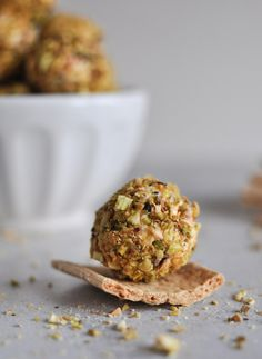Roasted Red Pepper + Bacon Goat Cheese Truffles. | howsweeteats.com