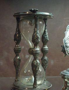 Antique Treasure / Hourglass