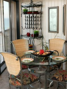 This #Patiofurniture looks good enough to use indoors.