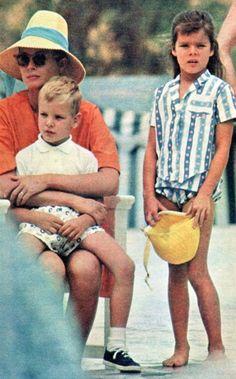 OGGI (September 12, 1963) — Summer Holidays — Princess Grace of Monaco with children Albert, 5, and Caroline, 6. PART II.