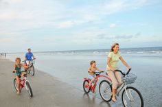 Hilton Head bike rentals - biking on the beach at Palmetto Dunes