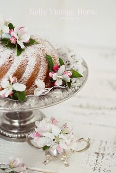 ~ Nelly Vintage Home blossoms on cake ~ such a pretty & simple idea for spring