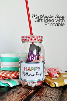 Printable Mother's Day Gift Idea- easy to make and add a little something to a simple gift.   @Sophia Hopkins Provost  30daysblog