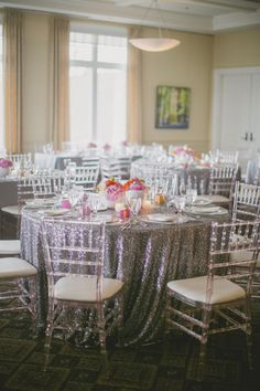 Silver sparkle #tablecloths add a glam reception look | Photography: Elizabeth In Love | Design: http://www.kjandco.ca