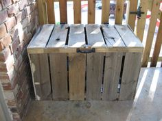 Love this simple yet cute storage for kids outdoor toys! Yet another reason I need Pallets!!!!  Outdoor bin (http://simplysouthernblog.com/2269/diy-project-outdoor-pallet-storage-bin.html)