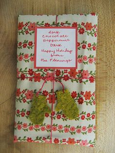 cute way to wrap christmas gifts or neighbor gifts