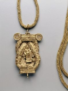 Chain and Pendant, 200s BC                                                Greece, Hellenistic period, 3rd Century BC