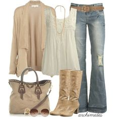 Fall outfit creme. I love the belt and the boots.
