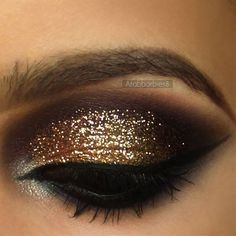 holiday parties, holiday makeup, gold glitter, year makeup, eye makeup, christmas makeup, glitter party, deep purpl, gold eye shadow