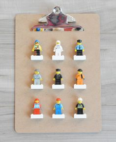 DIY  Lego Minifigures display
