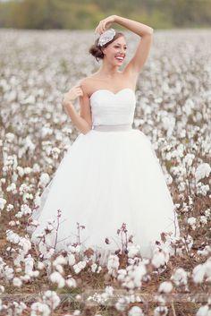 field, wedding dressses, bridal portraits, the dress, wedding photos, bridal pictur, bride, wedding pictures, ball gown
