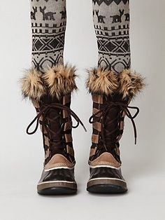 joan of arctic in brown, sorel (i am PINING for these boots! bday gift to myself maybe?)