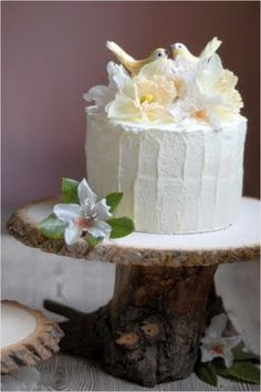 Rustic Wedding Decorations- pedestal Cake Stand