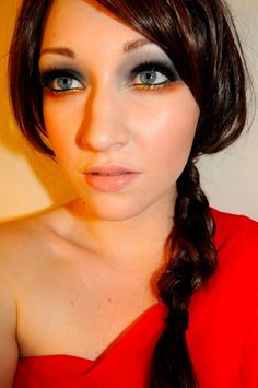 Everyone, I just got some amazing brand name purses,shoes,jewellery and a nice dress from here for CHEAP! If you buy, enter code:atPinterest to save http://www.superspringsales.com -   Katniss Everdeen The Hunger Games Makeup look :D