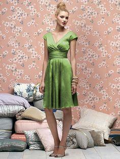 Vestido para Damas de Honor Cuello V color Verde Trébol -- Lela Rose
