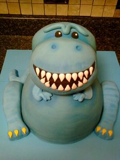 T-Rex dinosaur cake by mistys boopettie cakes, via Flickr